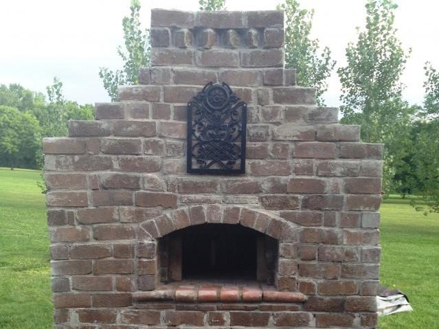 Стационарная печь барбекю из кирпича для дачи