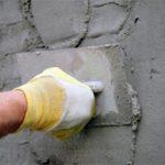 Как самому штукатурить стены?