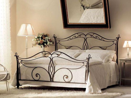 От чего зависит стоимость кровати из металла?