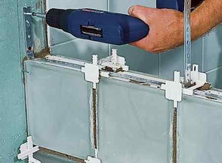 Укладка стеклоблоков
