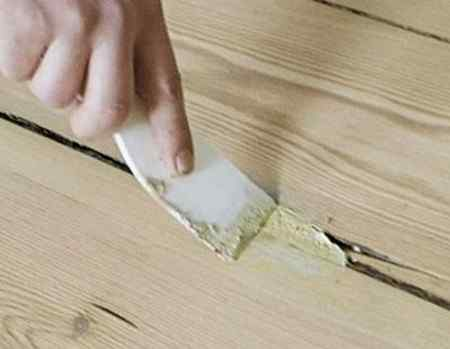 Как заделать щели в деревянном полу - материалы и способы