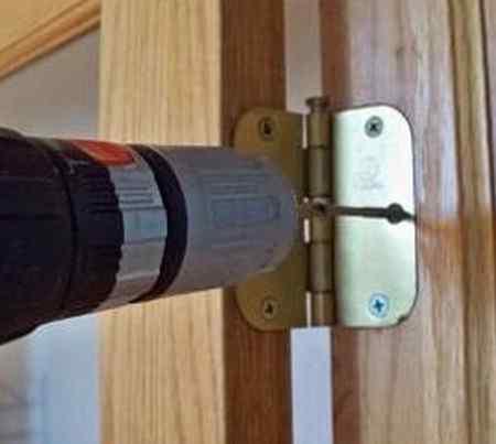Как установить межкомнатные двери в проем своими руками?