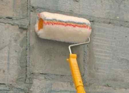 Как правильно работать с грунтовкой для стен