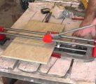 Как резать плиткорезом?