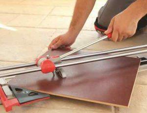 Как резать плиткорезом: практические советы и рекомендации