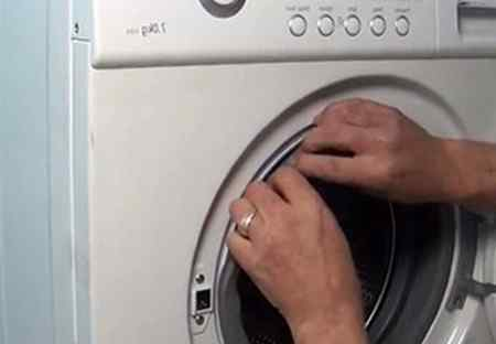 Ошибки из-за закладки моющих средств в стиральную машину