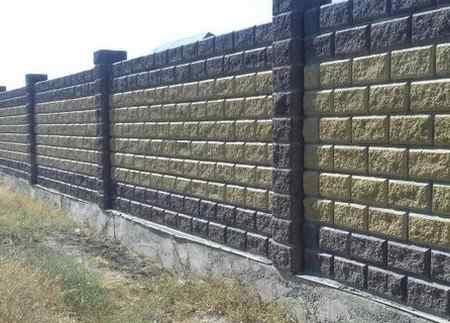 Забор из пескоблоков