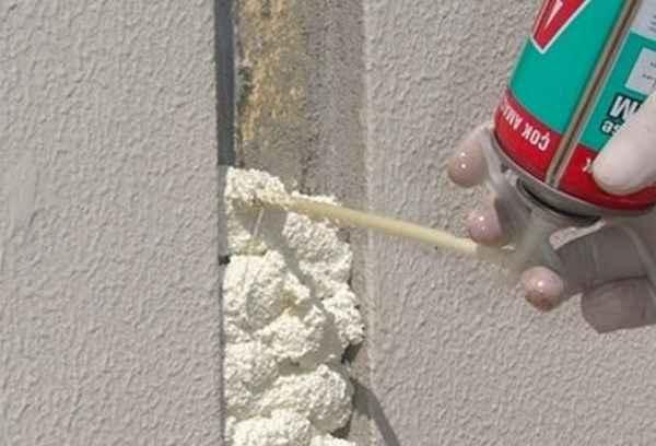 Нужно ли очищать поверхность перед применением монтажной пены